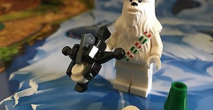 Lego-Star-Wars-Christmas-Snow-Chewbacca-from-75146